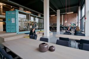 In deze kantoorruimte in Rotterdam is flexibiliteit te combineren met resultaatgericht werken